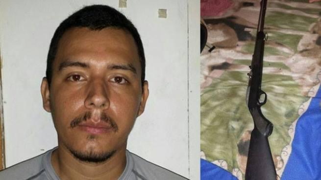 Capturan a dos hombres por diferentes delitos y decomisan un fusil en La Unión