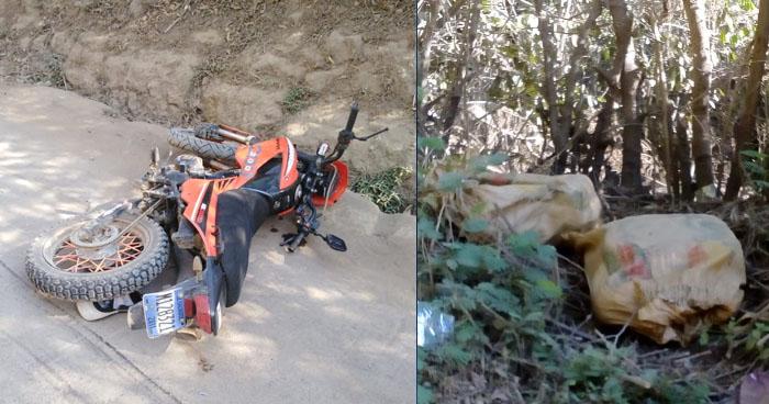 Sujeto chocó contra un patrulla policial cuando transportaba dos costales con marihuana en una motocicleta