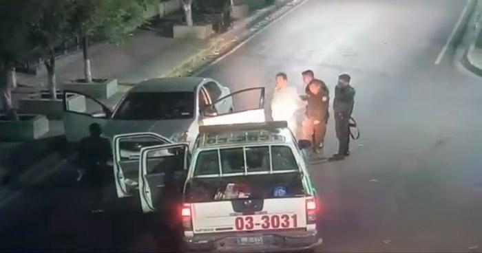 Hombre golpeó a su pareja, condujo ebrio y con un arma de fuego la amenazó de muerte