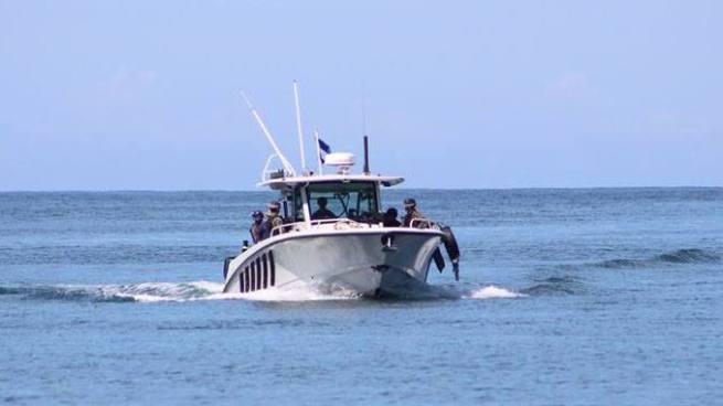 Fuerza Naval localiza embarcación sospechosa en Costa del Sol
