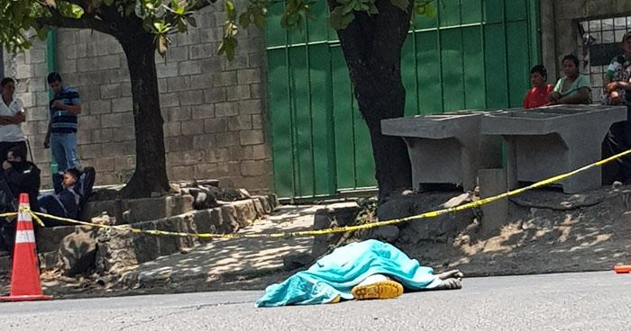 Empleado de la Alcaldía de Tonacatepeque muere al caer de un camión de basura