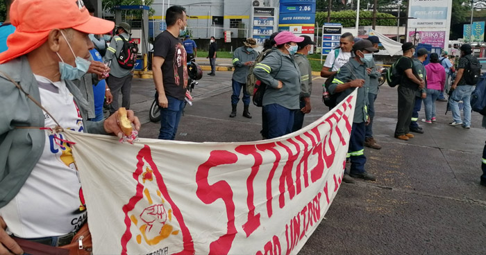 Marchan contra la privatización del servicio de recolección de basura en Soyapango