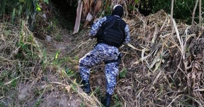 Pandillero muerto y agente policial herido tras enfrentamiento en San Vicente