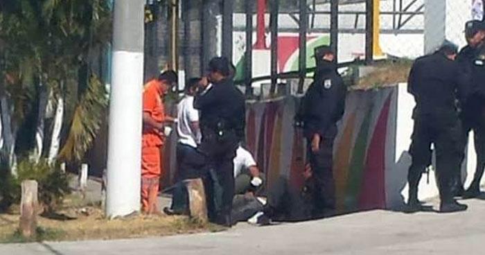 Un lesionado tras intercambio de disparos entre pandilleros contrarios en Mejicanos