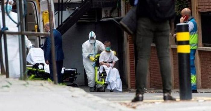 Cifra de muertes por COVID-19 en España se estabiliza sobre los 400