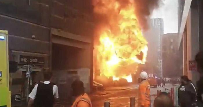 Explosión e incendio en estación de metro de Londres