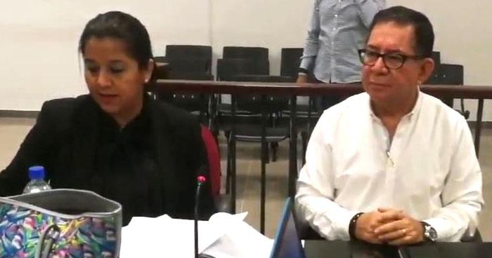 Exesposa de Eugenio Chicas declara contra él y revela comprometedores sucesos