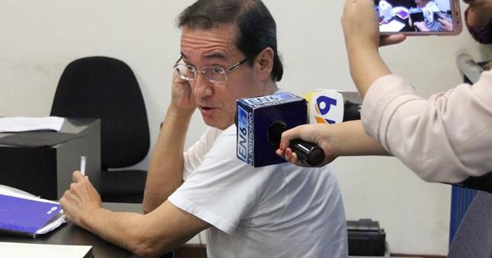 Exfiscal Luis Martínez habría divulgado material reservado aprovechándose de su cargo