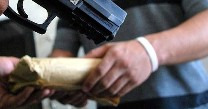 Falso agente internacional exigió bajo amenaza de muerte $5,000 dólares a su víctima