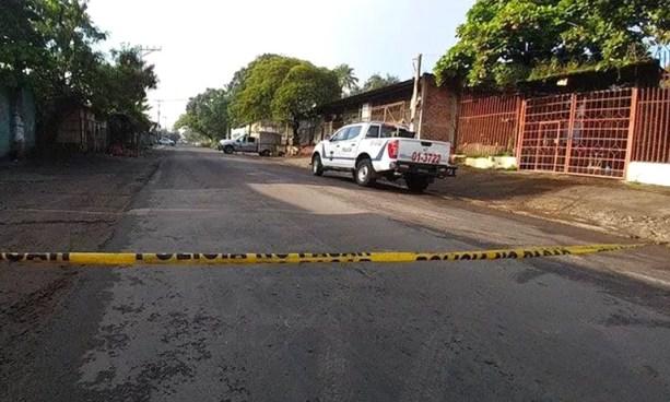 Hombre mata de una balazo a su esposa tras un fuerte discusión en su vivienda en Apopa