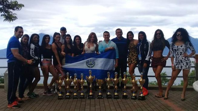 Federación salvadoreña de fisicoculturismo gana 11 medallas en Guatemala