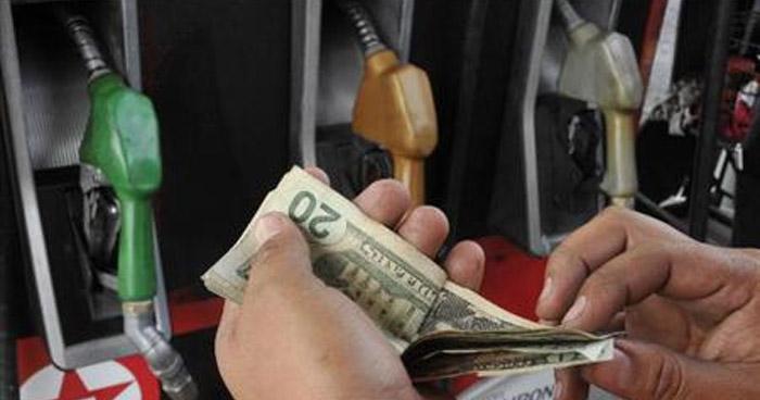 Precios de los combustibles bajaran hasta $0.20 a partir de mañana