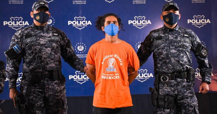 Capturan a peligroso pandillero de los 100 Más Buscados