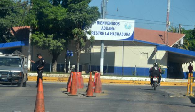 Incautan más de mil frascos de medicamento en la frontera la Hachadura