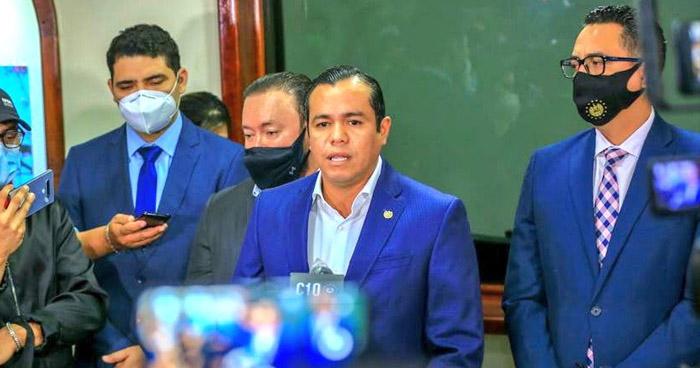 Ministro de Hacienda solicita modificar presupuesto 2021 y reduce brecha de $1,342 millones a $161 millones