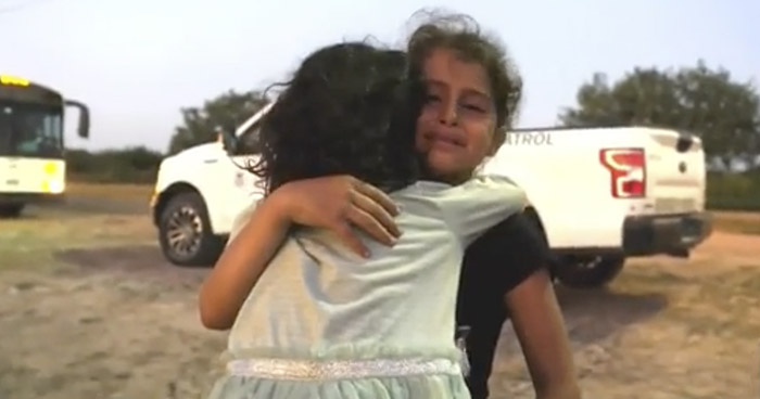 Niñas salvadoreñas fueron abandonadas tras cruzar la frontera a Estados Unidos