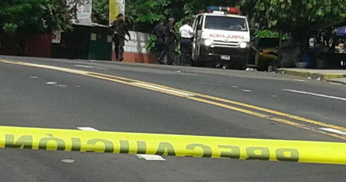 Matan a un joven frente al Carwash en el que trabajaba, en San Salvador