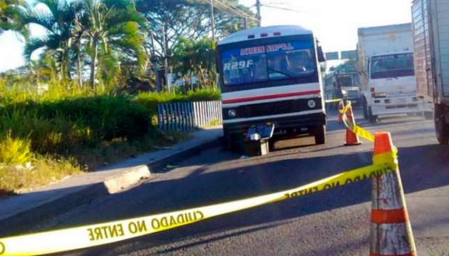 Muere mujer que fue atacada a balazos ayer en un bus de la ruta 29-F
