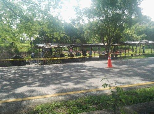 Mujer asesinada en Plaza de Cocos de San Luis Talpa