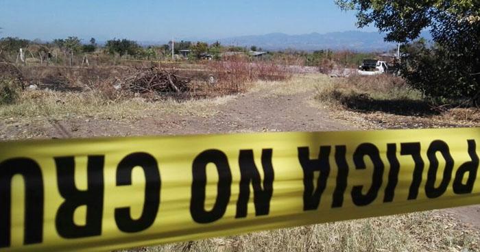 Hallan cadáver de un hombre al interior de un predio baldío en Acajutla, Sonsonate