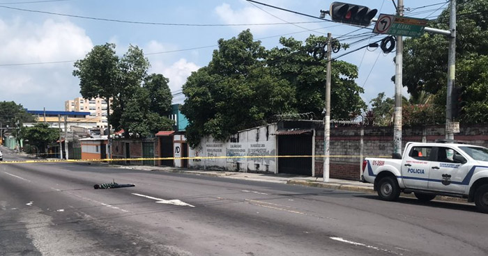 Asesinan a un hombre en avenida Bernal de San Salvador