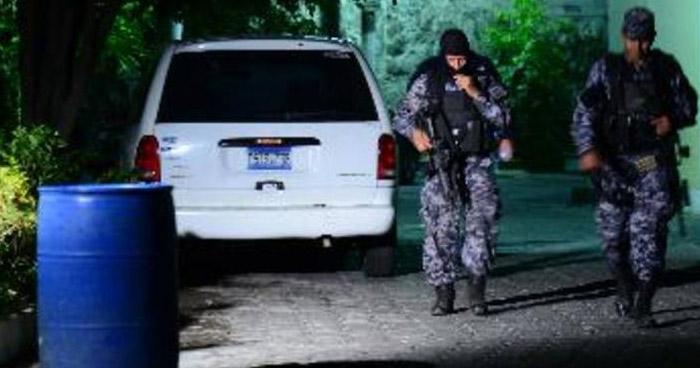 Delincuentes asesinan a un profesor, cuando conducía su vehículo en Cabañas