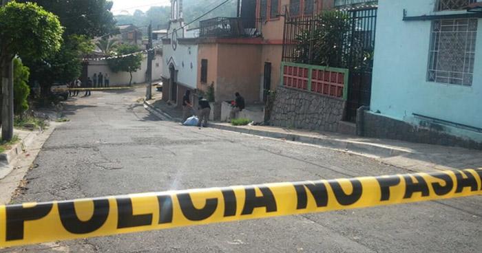 Pandilleros acribillan a balazos a un hombre, en una colonia de Ilopango, San Salvador