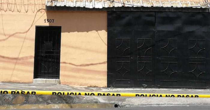 Asesinan a una mujer, al interior de una vivienda en colonia Málaga de San Salvador