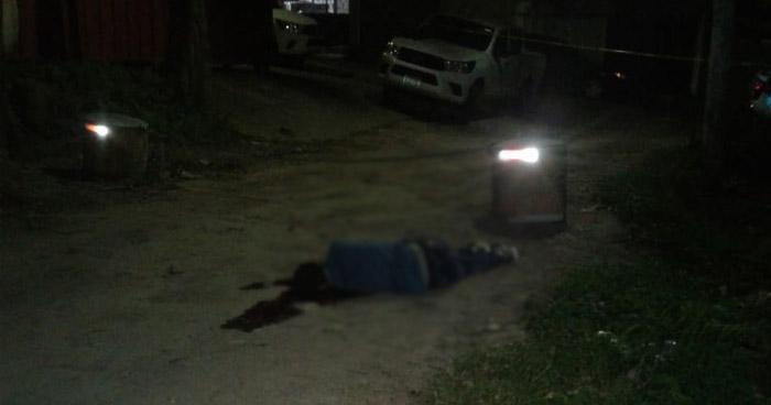 Acribillan a balazos a un supuestos pandillero en colonia de Mejicanos