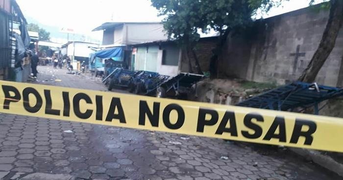 Un vigilante fue asesinado esta madrugada en el Mercado La Tiendona
