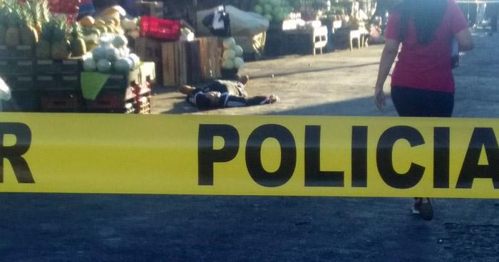 Hombre asesinado en Mercado Central de San Salvador