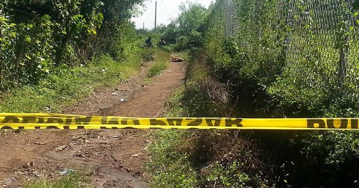 Asesinan a machetazos a un hombre en colonia de San Miguel