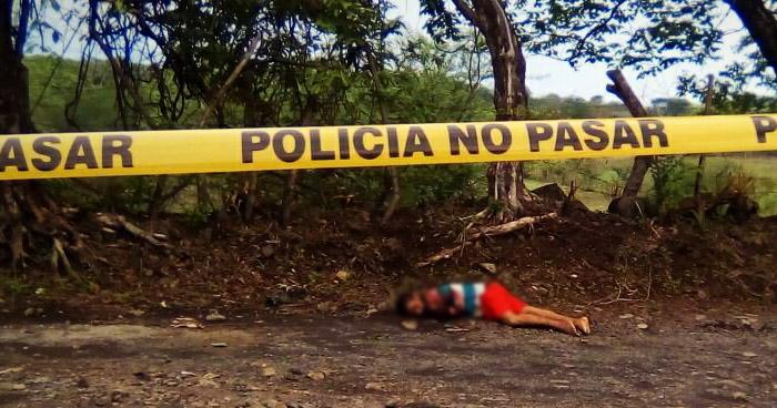 Criminales asesinan a machetazos a un joven, en cantón San Nicolás Anchico de San Miguel