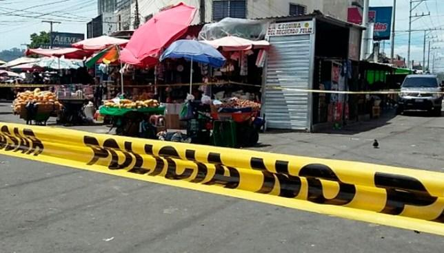 Asesinan a balazos a un hombre en pasaje del centro de San Salvador