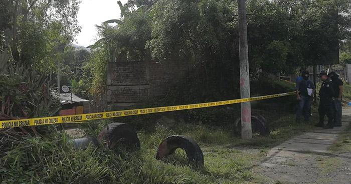 Asesinan a un adolescente cuando se transportaba en una motocicleta en Santa Tecla