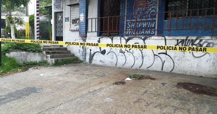 Encuentran el cadáver de un hombre en calle antigua a Tonacatepeque, Soyapango