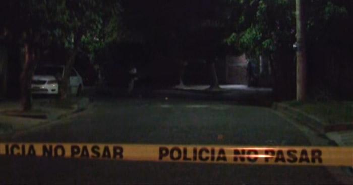 Criminales asesinan a un hombre en pasaje de colonia Amatepec, en Soyapango