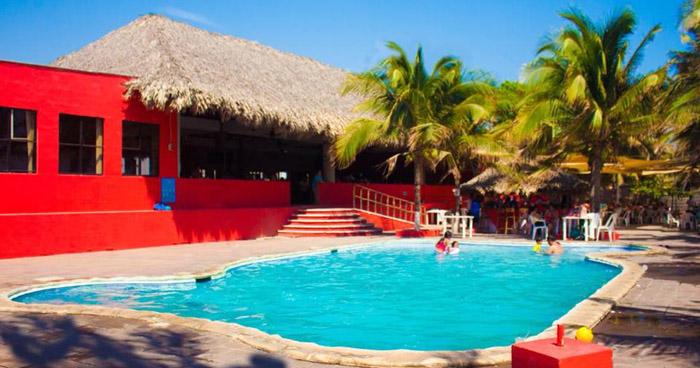 Niño lesionado tras recibir descarga eléctrica en piscina del Hotel Las Hojas Resort