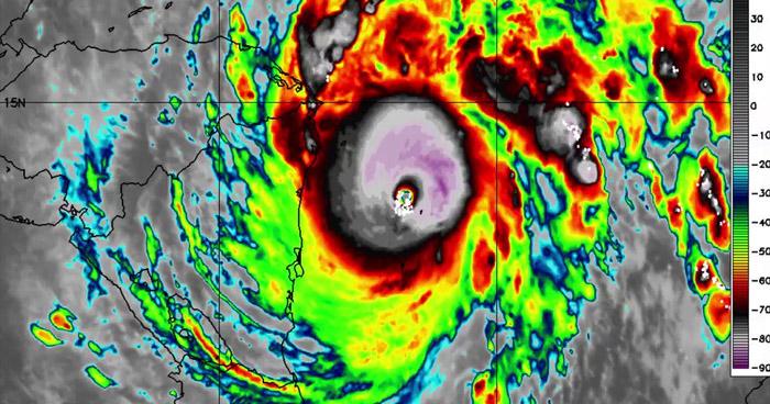 Huracán Iota alcanzó categoría 5, sostiene vientos de 260 km/h