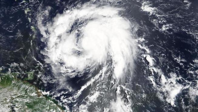 El huracán María aumenta a categoría 4 y se vuelve peligroso