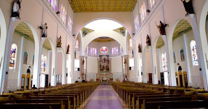 Iglesia suspende servicios religiosos tras detectar un nexo epidemiológico de COVID-19