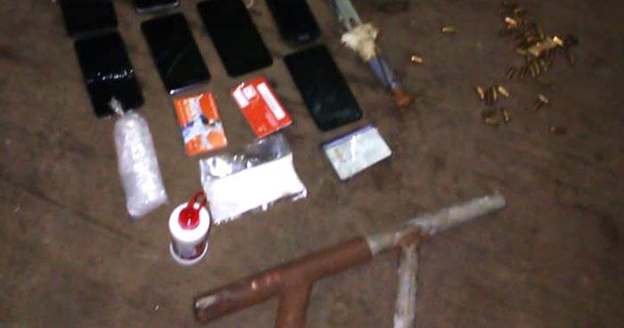 Encuentran armas, munición y otros ilícitos en vivienda de pandillero que atacó a policías en Chalchuapa