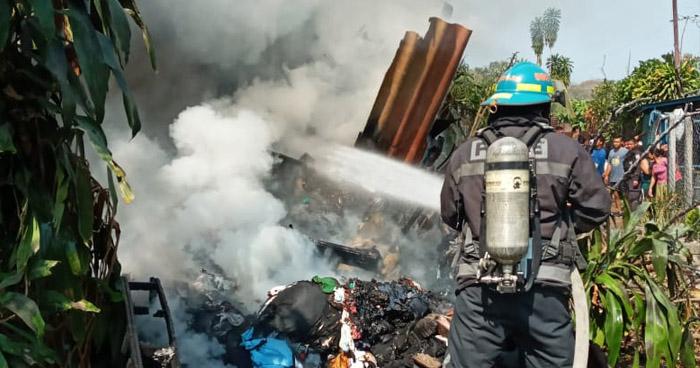 Niños generan incendio en vivienda al jugar con fósforos