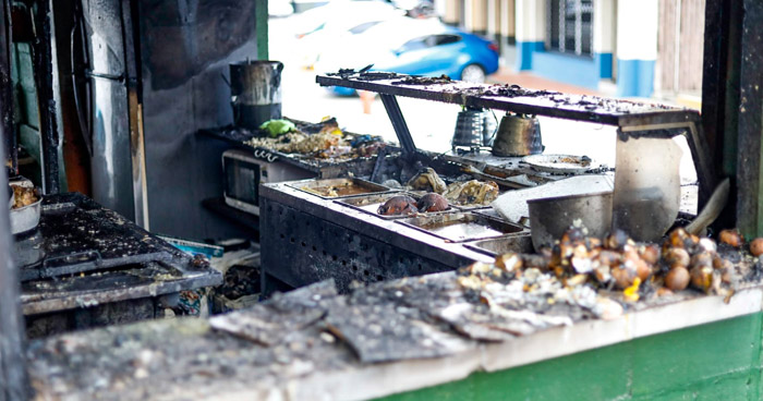 Mujer quemada tras incendio en un chalet cerca del Ministerio de Hacienda