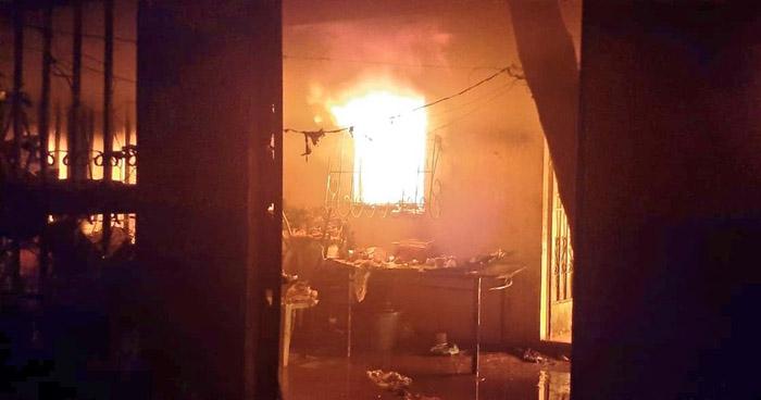 Un fallecido y dos lesionados tras incendio en Santa Ana