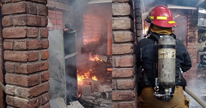 Sofocan voraz incendio en vivienda de colonia Satélite