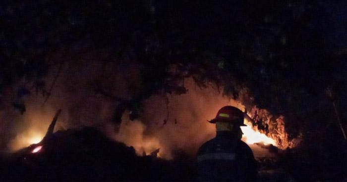 Bomberos extingue dos incendios en San Miguel