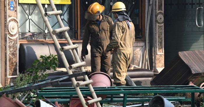 Incendio en un hotel de Nueva Delhi en India, dejó 17 muertos