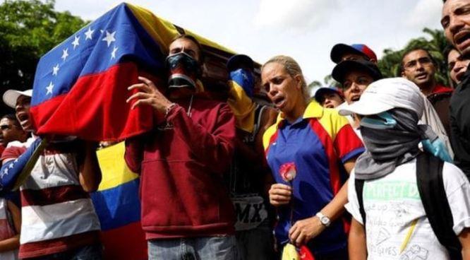 El ultimo adiós al joven que murió protestando en las calles de Venezuela
