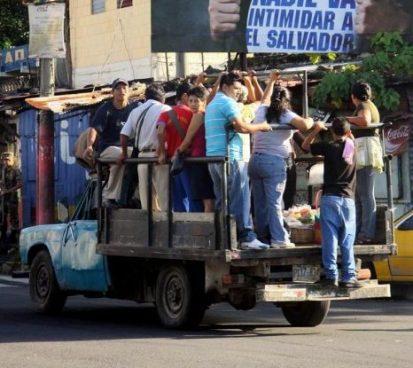 Decomisan 26 Pick Ups en La Unión que funcionaban como transporte público sin permisos